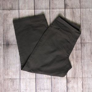 Eileen Fisher Green gaucho style crop pants